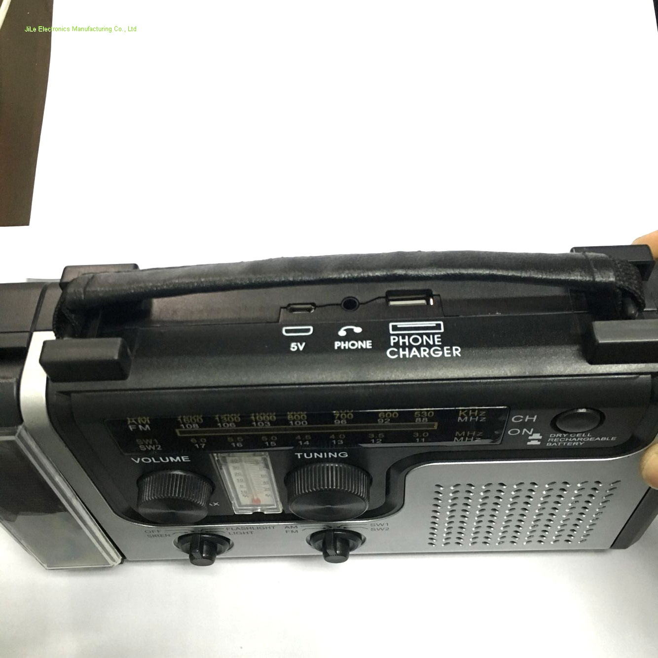 Protabel Solar crank radio with emergency flashlight