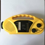 Solar crank radio with flashlight